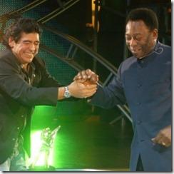 maradona-recebe-pele-em-seu-programa-la-noche-del-diez-em-2005-1276295094562_300x300