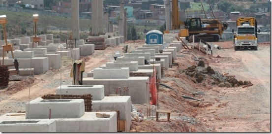 area-onde-deve-ficar-localizada-a-arquibancada-leste-do-itaquerao-futuro-estadio-do-corinthians-1315597591580_615x300