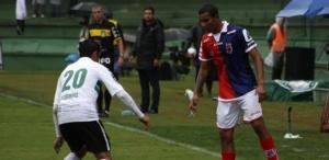 lateral-gilton-ribeiro-do-parana-clube-arquivo-1371243805638_615x300