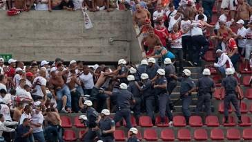 Sao-Paulo-x-Corinthians-2013_briga-de-torcida-365x205