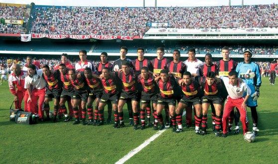 Equipe do Ituano Campeão Paulista de 2002